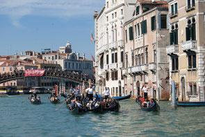 Turistas en Venecia. Un lugar común del turismo masivo. © Mariano Belenguer