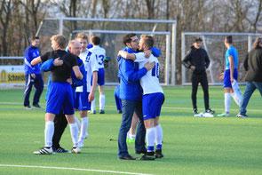 Freude nach dem überraschenden Sieg gegen Breuningsweiler (Foto: Andrea Wahl)