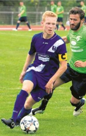 Spielt bald beim FC Viktoria: Simon Lindemann (am Ball). Foto: B. Strohmaier