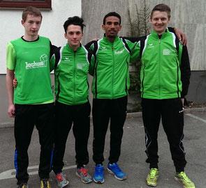 Im Bild die Nachwuchsläufer Thomas, Michel, Yossief und Felix