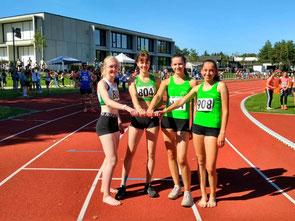 Die 4x100m-Staffel mit Nikola Kindig, Luise Sebök, Mona Henle und Rosalie Müller