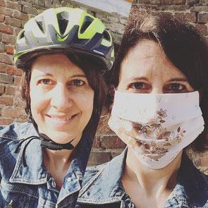 Ein Fahrradhelm schützt mich. Eine Mund-Nasen-Schutz-Maske schützt mich und andere. Ab 27. April sind sie Pflicht in ÖPNV und beim Einkaufen.
