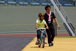 乗れるようになった子供も先生も笑顔です。