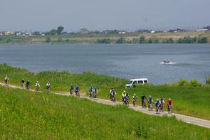 緑豊かな筑後川のサイクリングロードを快走しました。