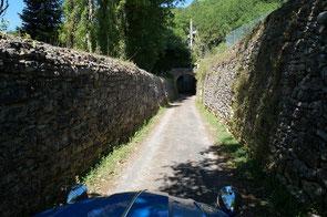 Bastide de Domme, un des plus beaux village de France, que vous decouvrez autrement en 2cv