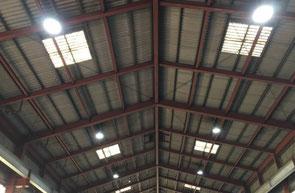 工場の天井