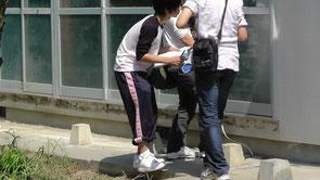津波の痕跡を調べています。震災直後でないと痕跡が消えてしまうので、巡検は高校1年の時(2011~12年)に集中的に行いました。