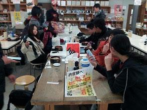 松島魚市場の食堂にて