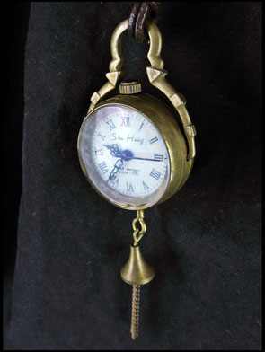 Mechanische Uhr am Lederband