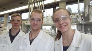 Im Bild von links nach rechts: Moritz Burghardt, Christopher Leonhardt, Anja Benderoth