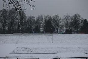 Der verschneite Rasenplatz am Schaberg (Symbolbild / Foto: Georg Weber)