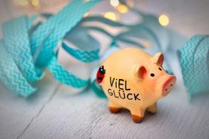 Schweine sind ein Symbol für Glück im neuen Jahr