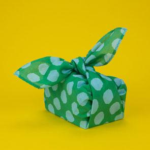 Zerowaste Kindergeburtstag: Geschenke in Stoff verpacken