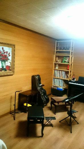 吉住ギター・マンドリン音楽教室のレッスンルーム