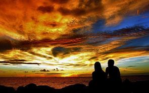 https://librodeafirmacionesdiarias.files.wordpress.com/2010/02/el-secreto-para-atraer-el-amor-la-pareja-afirmaciones-para-atraer-el-amor-libro-de-afirmaciones-diarias-prosperidad-universal.jpg
