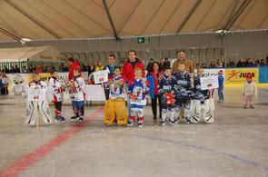 Siegerehrung v.l.n.r. Argovia Stars Aarau/Wettingen (3.) EHC Bülach (1.), Schwenninger Wild Wings (2.)