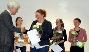 Für herausragende Leistungen wurden Dr. Edith Malecki, Marie-Ann Mowka, Kristin Mecklenburg und Stefanie Land (von links) ausgezeichnet. Foto: Ulrichs