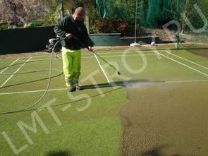 Обслуживание теннисных кортов с покрытием «Искусственная трава»
