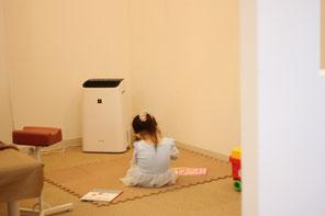 施術中、お子さんが遊べる空間