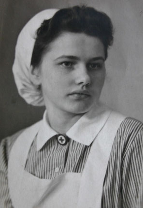 Lisa Weih, verh. Marx als Krankenschwester im Agnes-Heim - Sammlung Tochter C. Rönsch