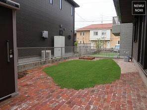 アンティークレンガ、家庭菜園、物置、高麗芝貼、固まる土舗装、雑草対策、施工例