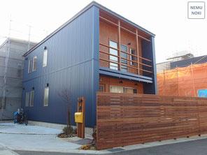 新築外構工事、エクステリア、ウッドフェンス、照明、施工例