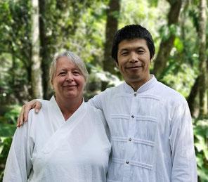 Wei Qifeng Laoshi und Lehrerin Birgit Becker-Petersen