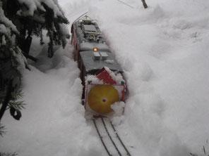 LGB im Winter bei Schneeräumung