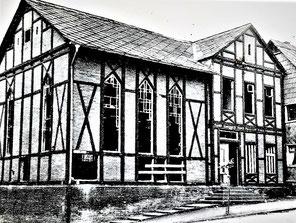 Die geschändete Synagoge (Foto: undatiert)
