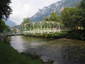 Brug over rivier  de Schwarza