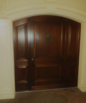 Hauseingangstür mit feststehenden Seitenteilen - Portaltür