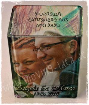Glas-Windlicht mit dem Hochzeitspaar