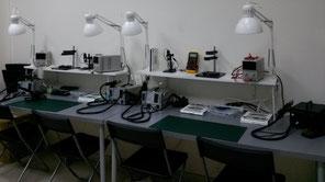 puestos con segundo brazo, microscopio usb, fuentes de alimentación digital regulables