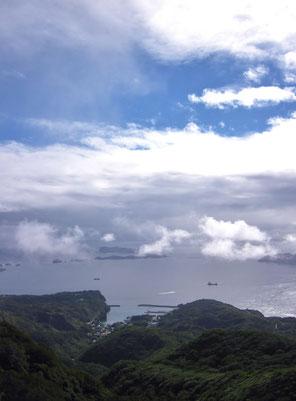山頂より沖村を見下ろす