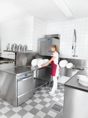 Profigeräte für Großküchen verleiht im Notfall AR-Küchentechnik