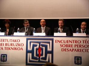 En el centro de la imagen el Alcalde Sr. Alberto Ruiz de Azua.