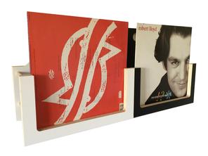 Unser Schallplattenregal in schwarz oder weiß. So wird das Wandregal für Schallplatten zum Blickfang.