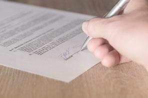 Tekenen contract zorgverzekeraar