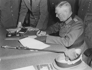 Signature de la reddition de l'Allemagne, le 8 mai à Berlin