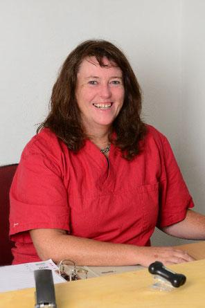 Ulla Damme im Büro