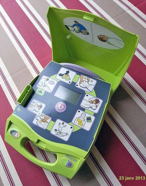 Défibrillateur automatique du Club MGEN 17