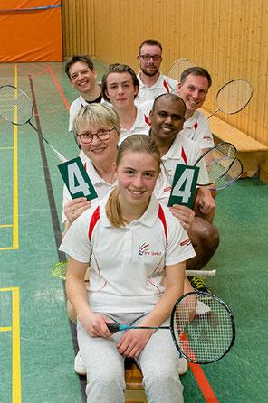 Von vorne nach hinten: Nadine Wolf, Brigitte Prax, Arun Karuvelil, Kilian Wolf, Daniel Reuschel, Holger Ketterer und Olaf Radcke