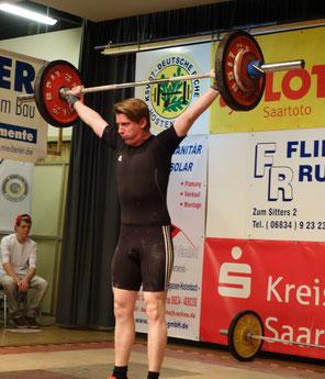 Hendrik Schmitt schaffte mit 98 kg im Reissen eine neue persönliche Bestleistung.
