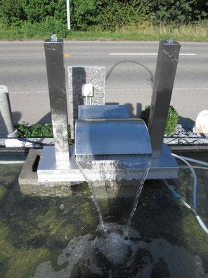 Wasserspeier Welle mit 2 Säulen