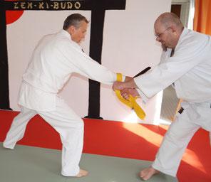 Shiruba Jiu Jitsu - Altersgerechte Selbstverteidigung - Messerabwehr