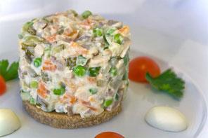 オリビエサラダ (Olivier salad)