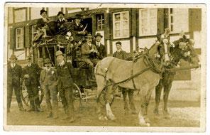 Luthern, Kutsche mit (Fasnachts-?)Handörgeler vor heutigem Gemeindehaus Wölfen, Postkarte ungebraucht  (TV 1)