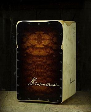 "CajonStudio Butterfly String Cajon ""Bubinga"""