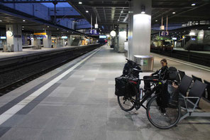 4:20 am Bahnhof Berlin-Südkreuz