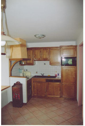 Artisan fabricant d'escaliers, portes, volets, fenêtres, cuisines.